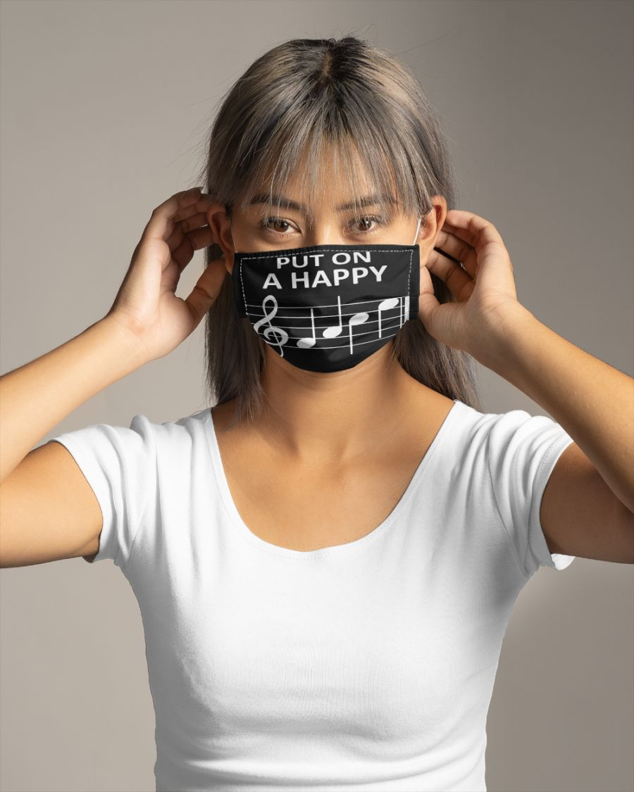 Music put on a happy face mask - Hothot 050920