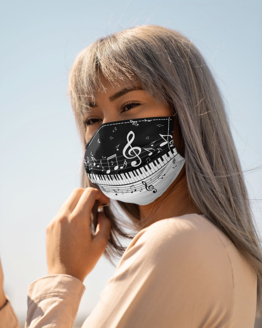 Piano and music notes face mask 3