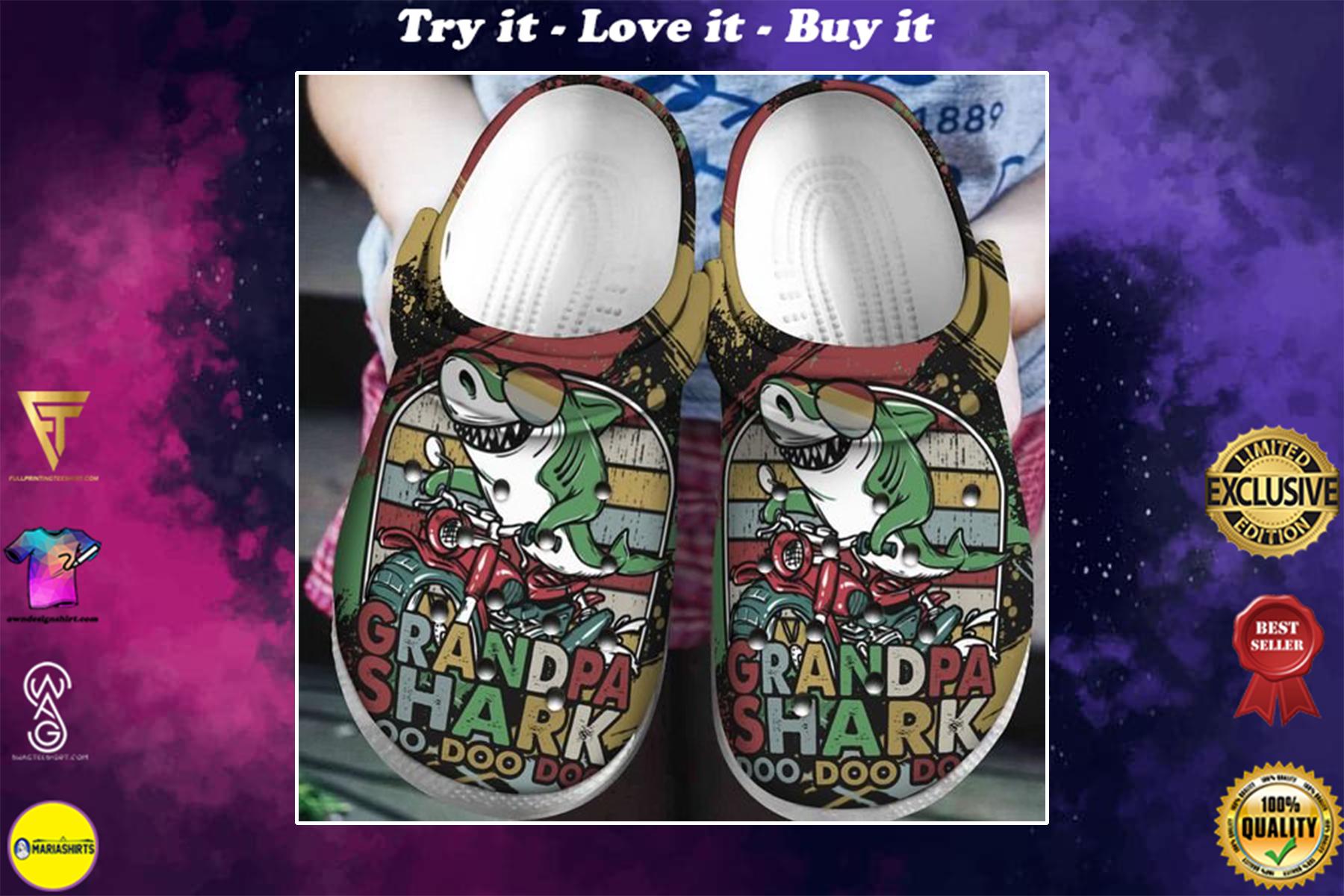 [special edition] crocs vintage grandpa shark doo doo clog - maria