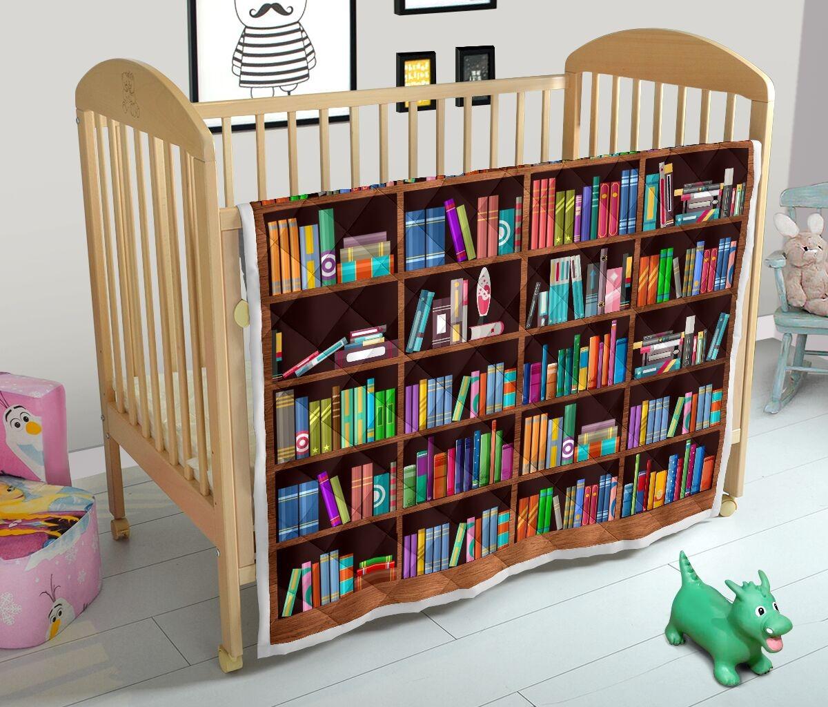 Bookshelf classic quilt blanket 4