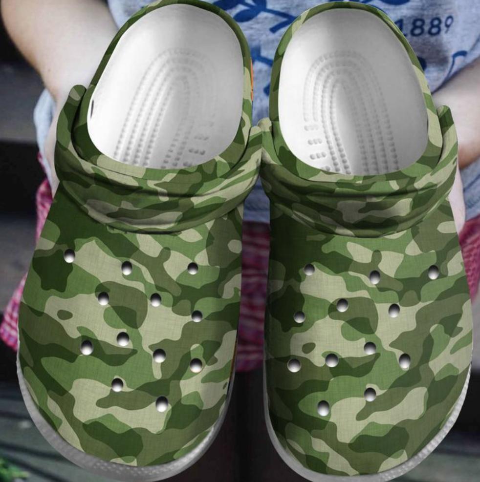 Camo army crocs crocband