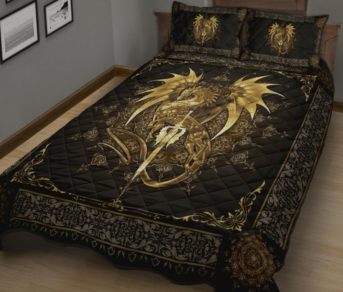 Dragon motif gold bedding set 1