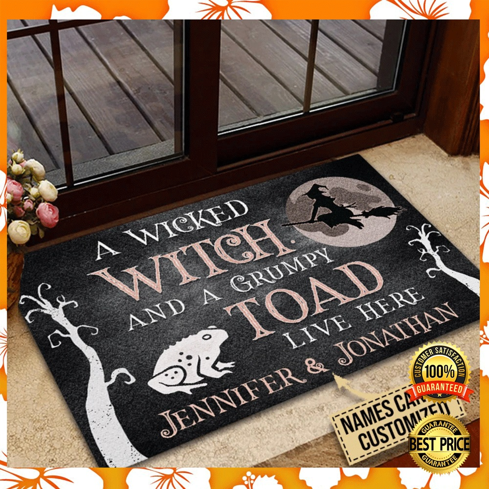 Personalized a wicked witch and a grumpy toad live here doormat2