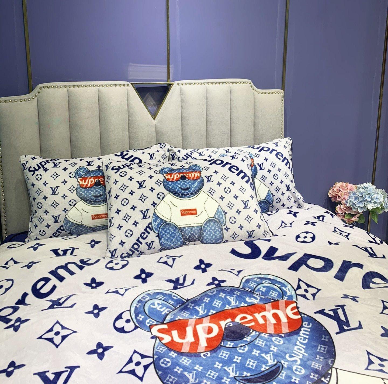 Louis Vuitton Supreme bear bedding set - LIMITED EDITION